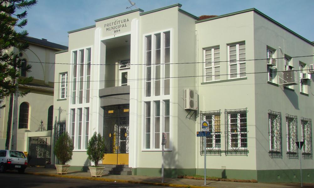 Prefeitura de Estrela retoma atendimento presencial, com restrições