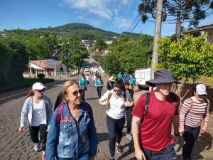 Caminho Autoguiado de Lourdes reúne cerca de cem participantes