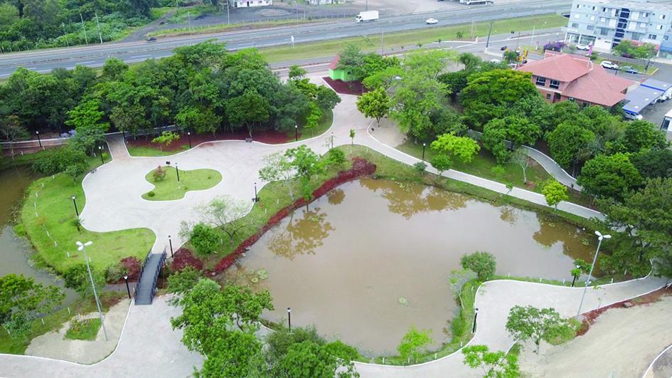 Concluídas obras de revitalização no parque em Fazenda Vilanova