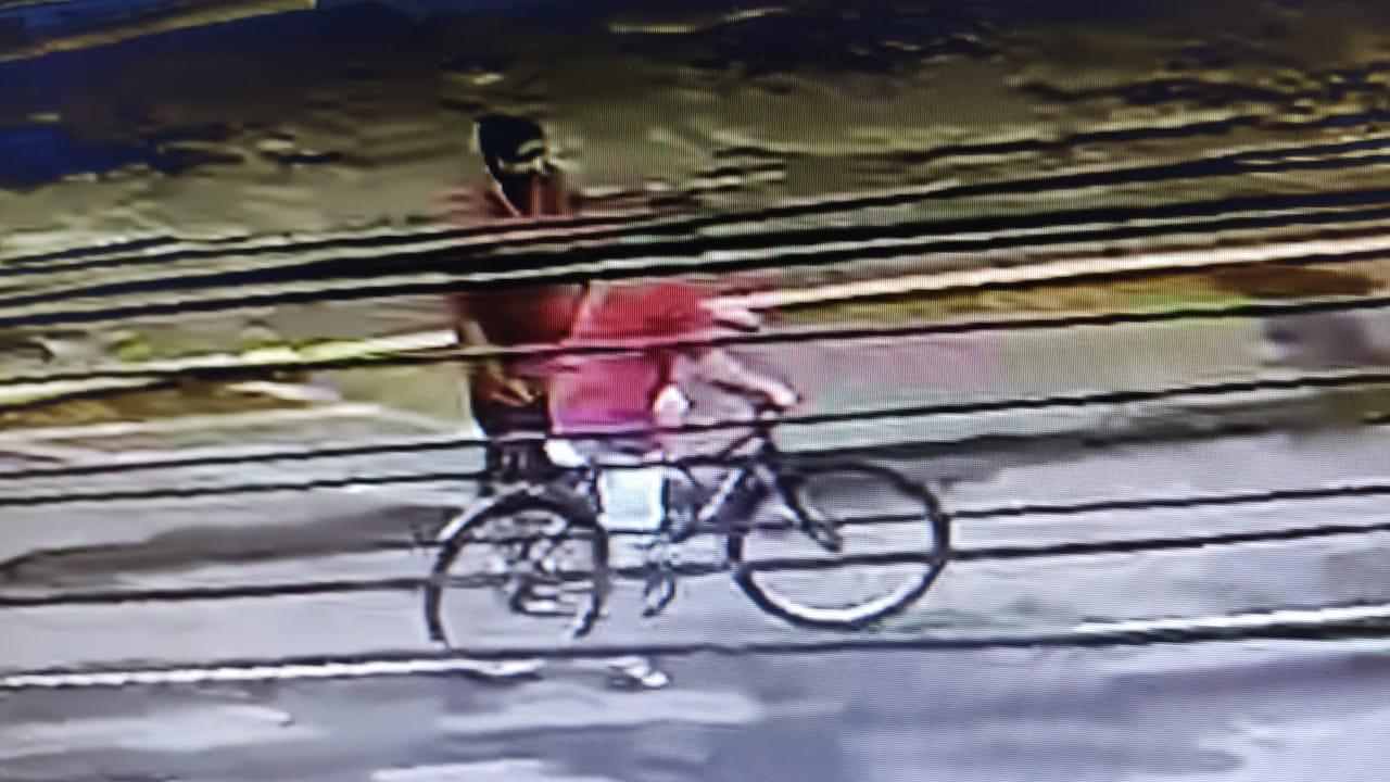 Pedestre é assaltado na Avenida Rio Branco