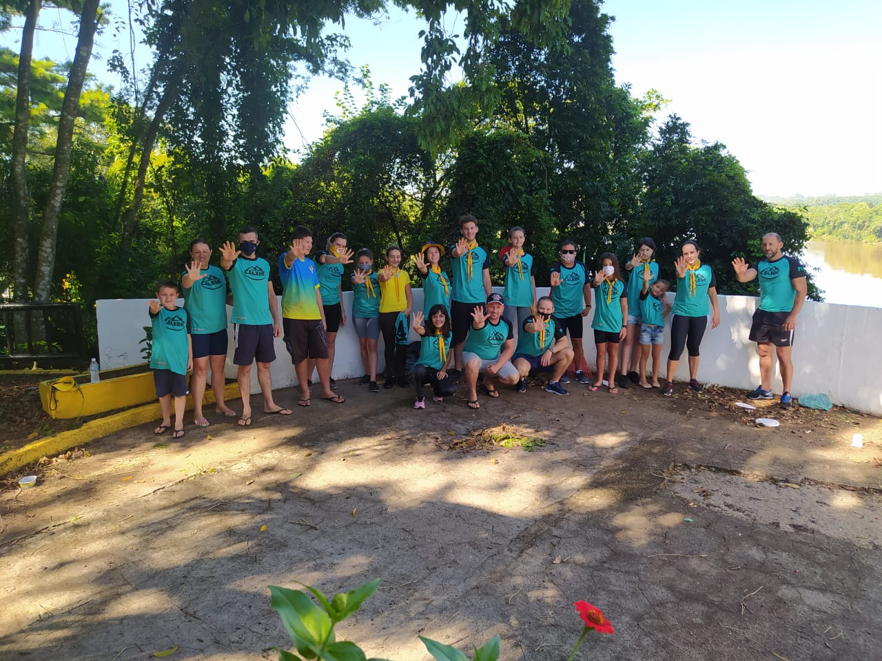 Belvedere recebe arte voluntária de clube de jovens