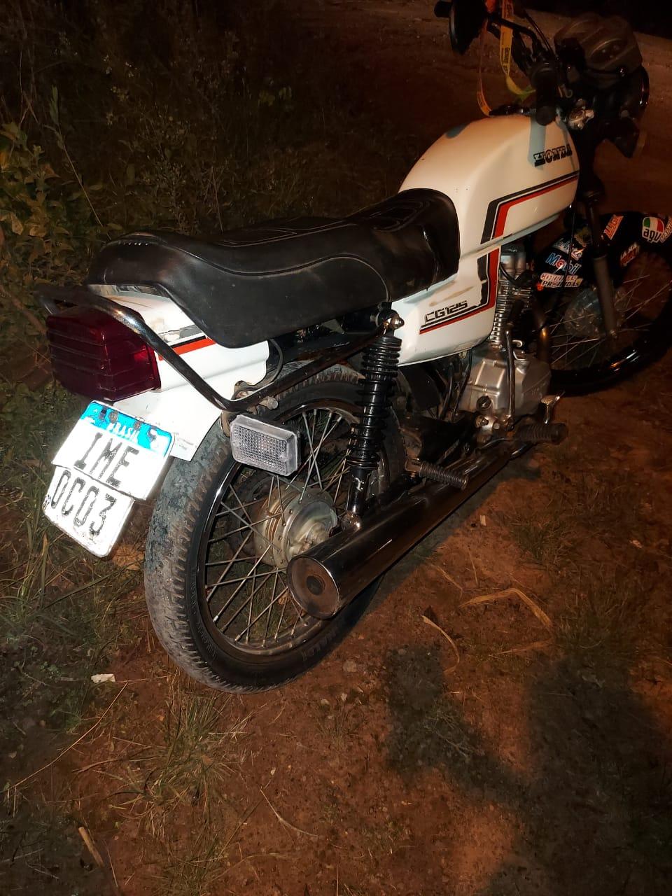 Motorista é pego com placa adulterada e maconha em Fazenda Vilanova