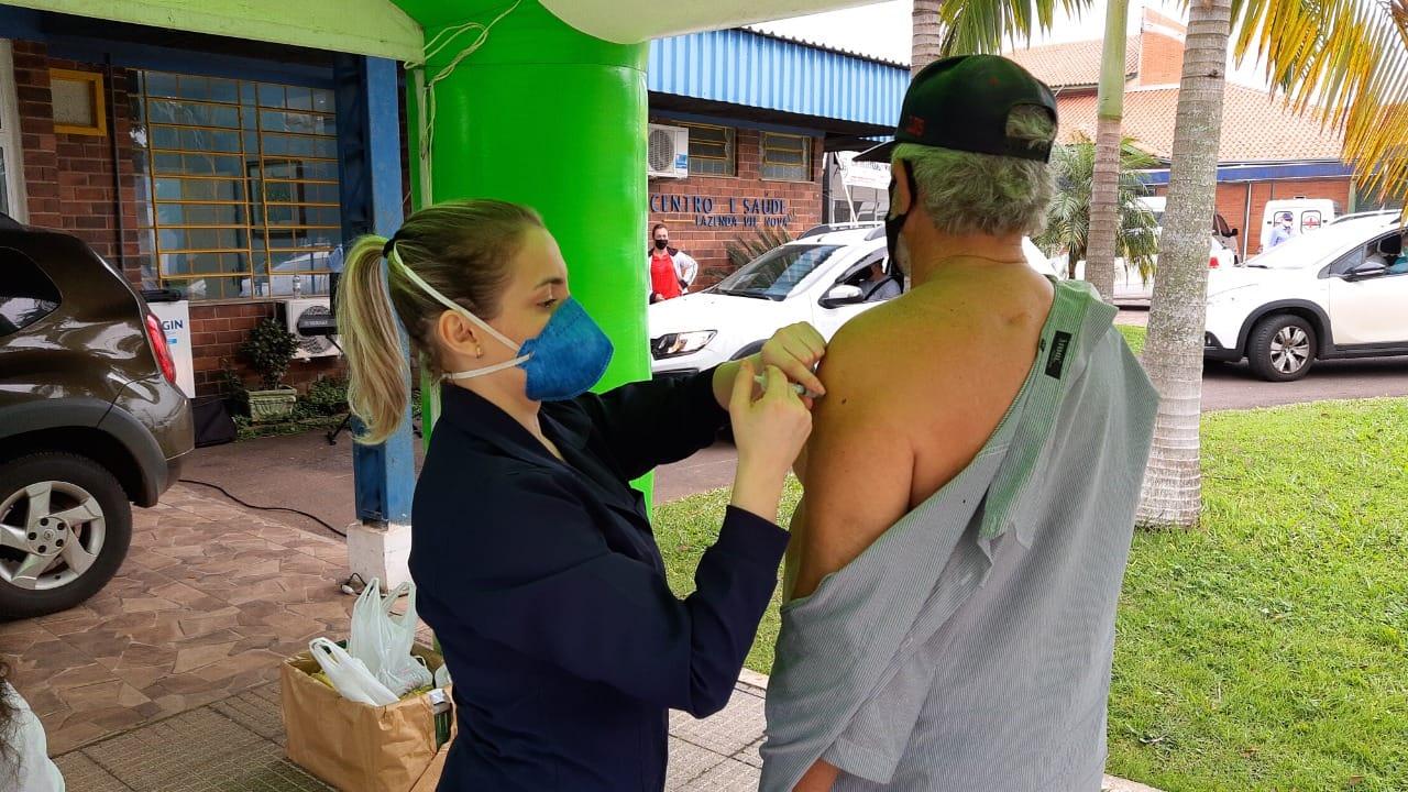 Vacinação para pessoas com 28 anos