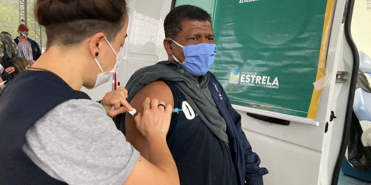 Município ultrapassou a barreira dos 51% da população com as duas doses ou dose única (Foto: Divulgação)
